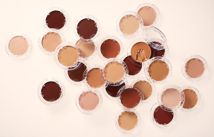 KVD Beauty - Marca apresenta base em formato balm e embalagem 100% reciclável